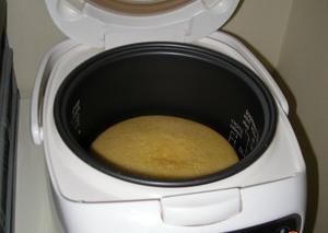 выпекаем бисквит 50 минут с одной стороны и 20 минут с другой