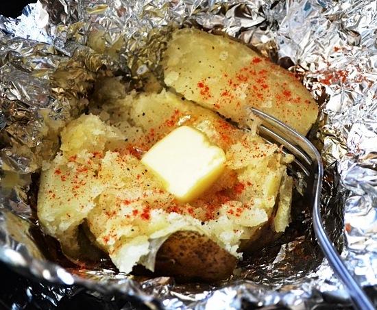 картошка в фольге в мультиварке