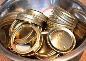 отправляем банки в духовку на 20 минут