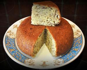 готовый пирог посыпаем сахарной пудрой и подаем к чаю