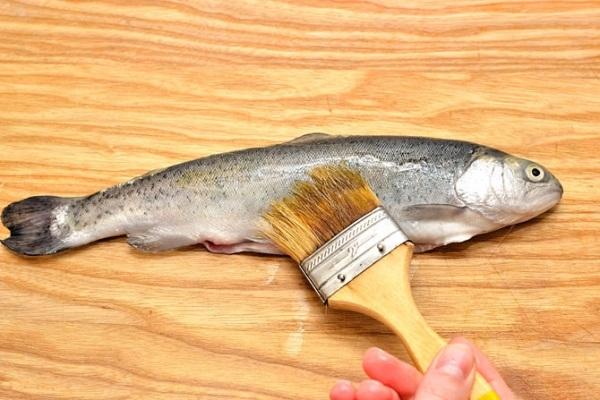 Как запечь на гриле целую рыбу, чтобы она не подгорела фото рецепт Коломна