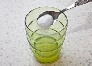 Добавляем соль и воду