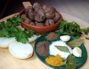 нарезаем овощи и зелень