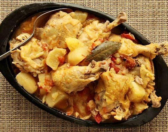 картошка тушеная с овощами и курицей в мультиварке