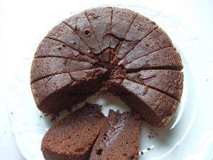разрезаем готовый пирог