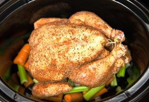 курицу и овощи тушим 6 часов