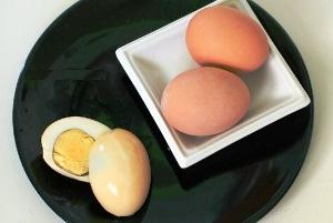 Подаем яйца на стол