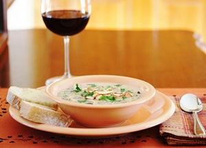 Подаем суп на стол