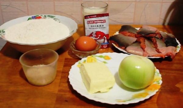 Продукты для рыбного пирога в мультиварке