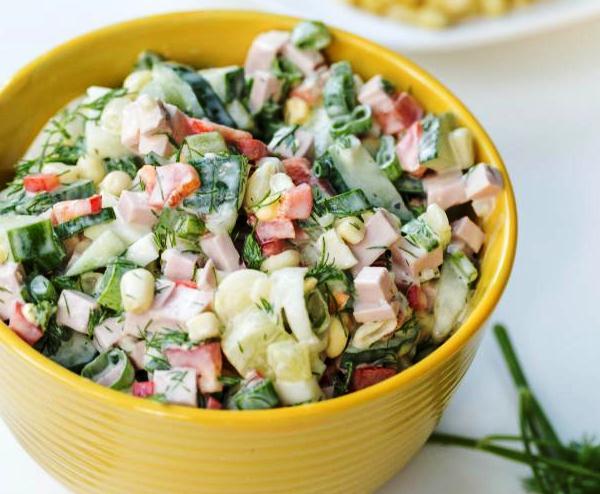 Рецепт салата с кукурузой яйцами колбасой