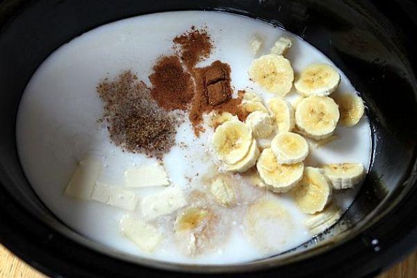Сложите все ингредиенты для овсяной  каши на молоке в мультиварку