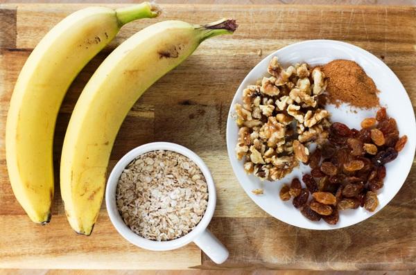 Добавьте в овсянку на молоке спелые бананы