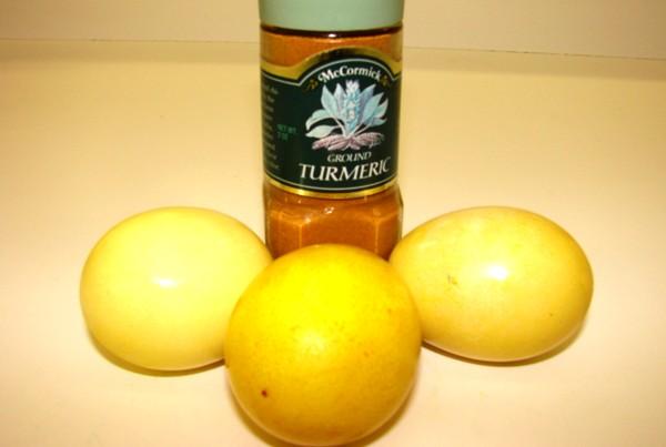 Желтый цвет – с куркумой или шафраном