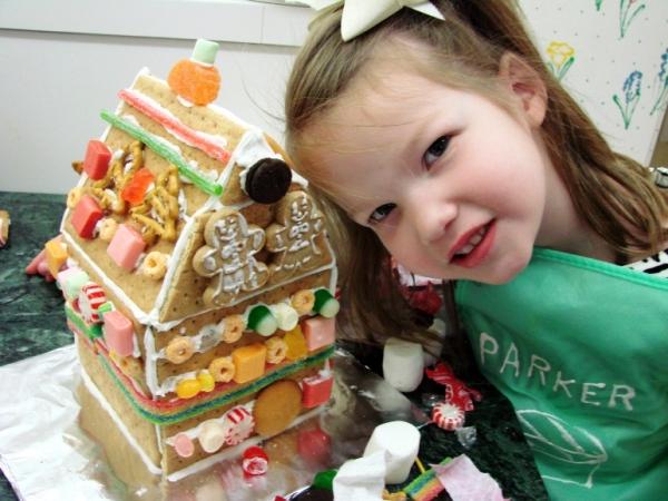 торт в виде домика