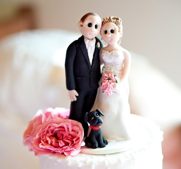 svadebnyie-figurki-na-tort-16