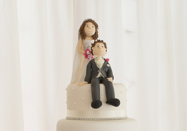 svadebnyie-figurki-na-tort-19