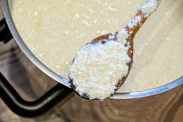 Размешиваем молочную смесь
