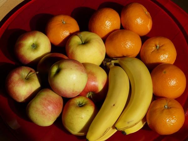 Яблоки, бананы, цитрусовые