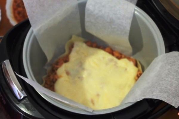 Добавляем слой соуса бешамель
