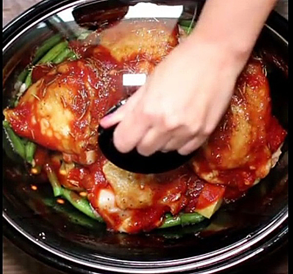 Готовим курицу с картошкой в мультиварке в режиме Тушение