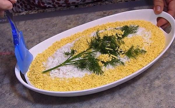 Украшаем блюдо желтком