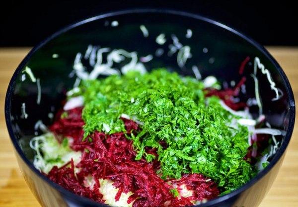 Салат из сырой свеклы рецепт с фото
