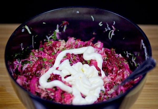 Салат сырая свекла капуста сыр