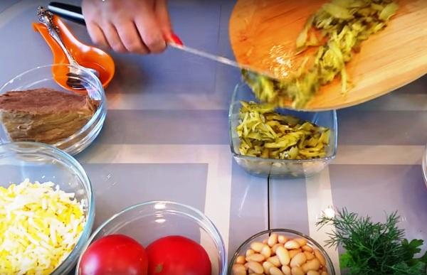 Слоеный салат нежность