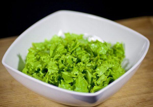 Салат с тунцом консервированным рецепт простой