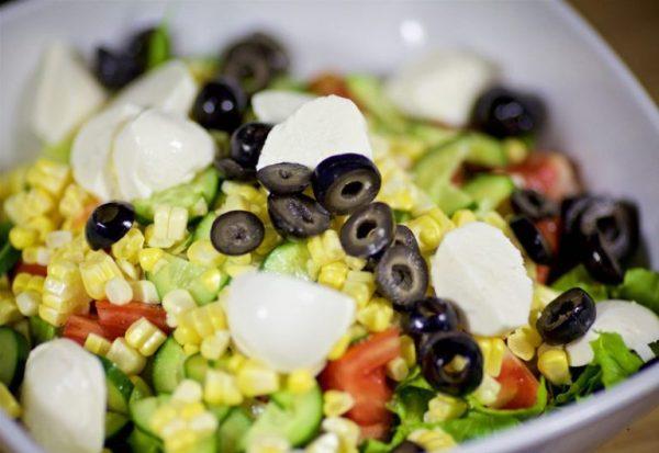Салат нисуаз с тунцом классический