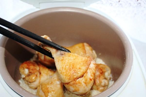 Куриные ножки с рисом в мультиварке