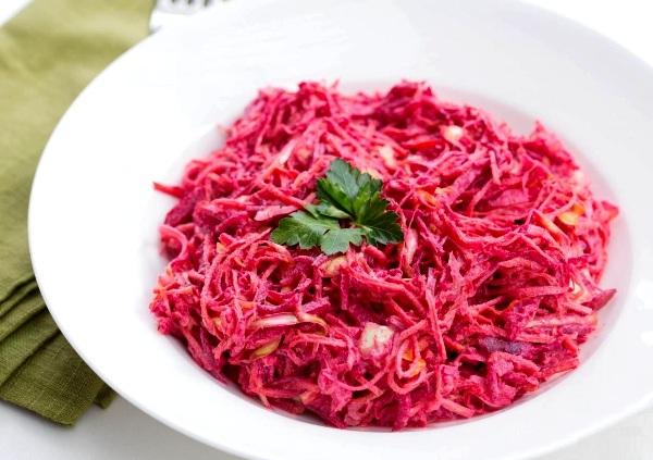 Салат из вареной свеклы и моркови рецепт