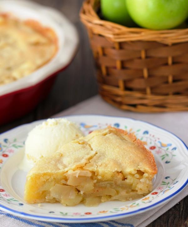 Рецепт шарлотки с яблоками в мультиварке пошагово