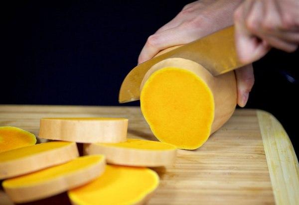 Как легко почистить тыкву от твердой кожуры