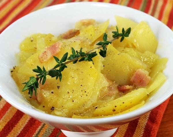 Картошка с беконом в духовке рецепт
