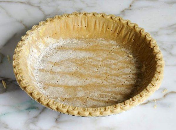 Готовая корочка для пирога со шпинатом и сыром