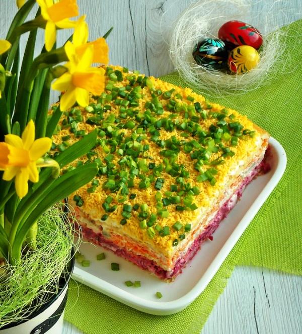 Вкусный праздничный салат