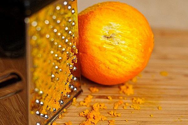 Апельсиновая цедра добавит аромата в пирог