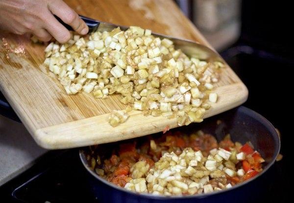 Рецепт фаршированных баклажанов с фаршем в духовке
