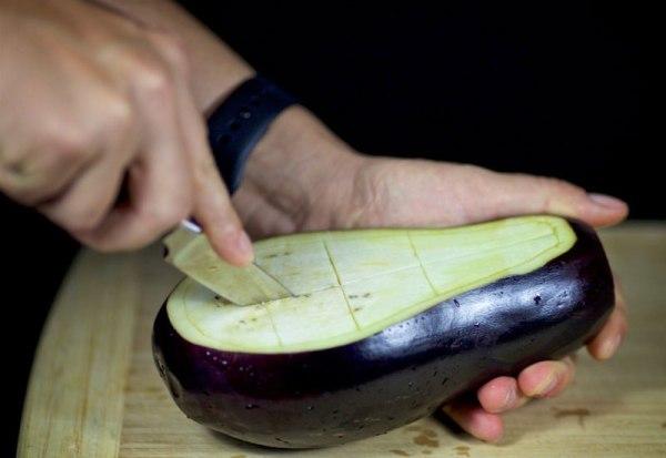 Делаем из овощей глубокие чашки-лодочки