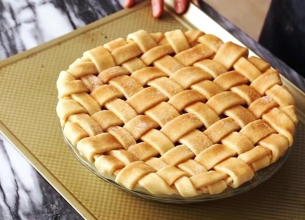 Рецепт насыпного яблочного пирога с молоком