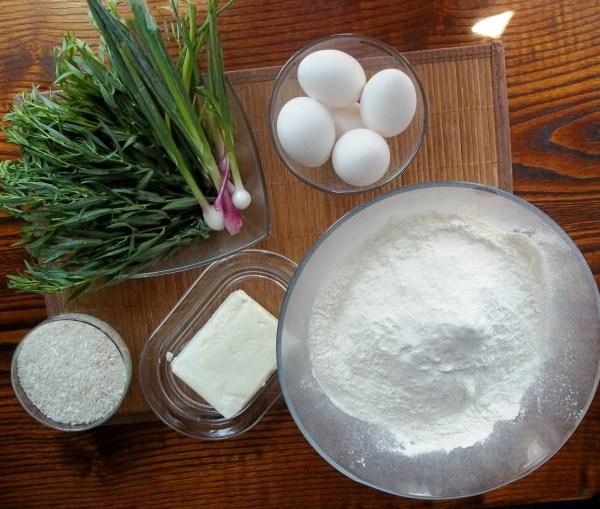 Ингредиенты для слоеного пирога с рисом и яйцом