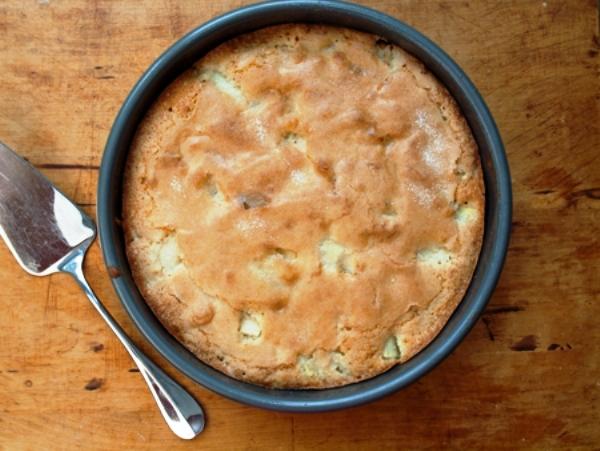 Шарлотка с яблоками рецепт в духовке простой