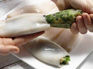 Запеченные фаршированные кальмары с зеленой начинкой фото рецепт Коломна