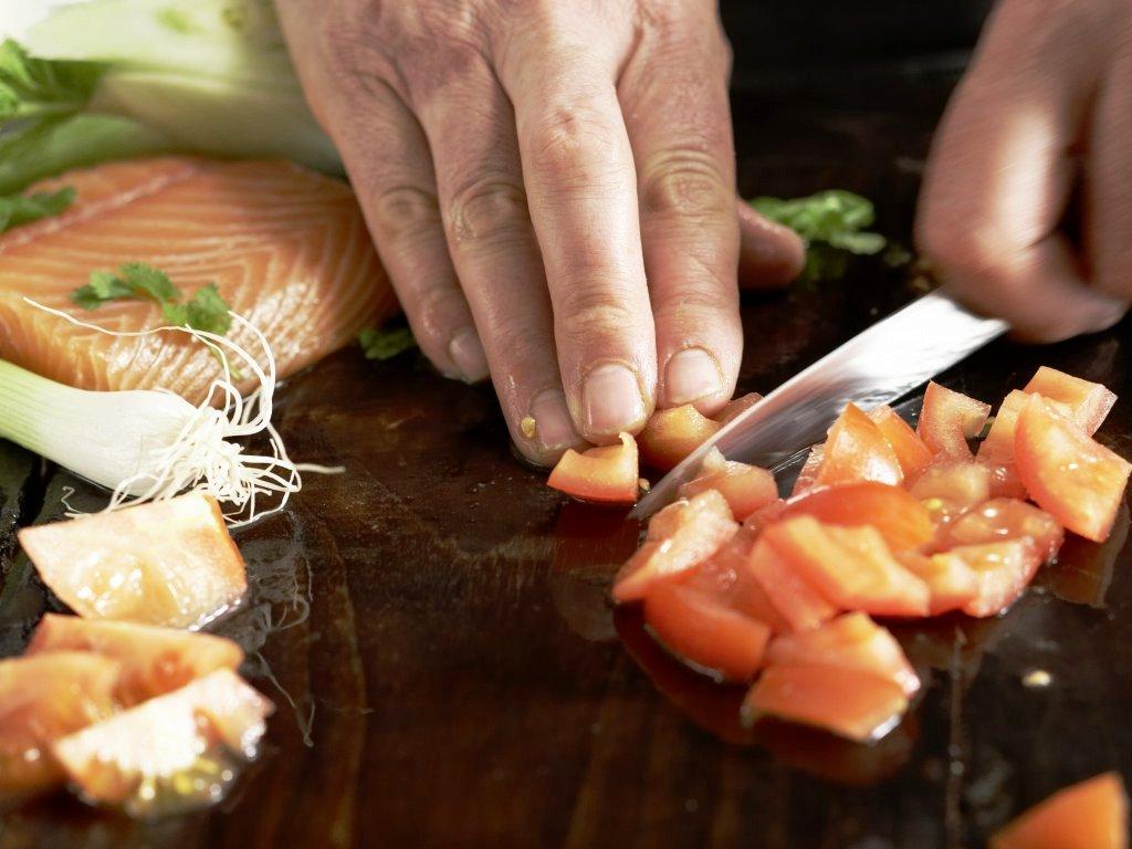 Шашлык из форели на решетке с фенхелем и томатной сальсой фото рецепт Коломна
